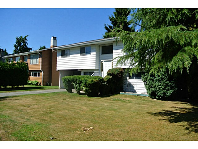 Photo 2: 4499 47TH ST in Ladner: Ladner Elementary House for sale : MLS(r) # V1131987