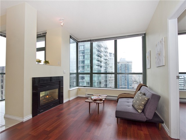 Photo 2: 2702 1239 W GEORGIA Street in Vancouver: Coal Harbour Condo for sale (Vancouver West)  : MLS(r) # V977076
