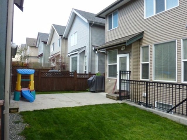 "Photo 10: 16592 60A Avenue in Surrey: Cloverdale BC House for sale in ""West Cloverdale"" (Cloverdale)  : MLS® # F1308945"