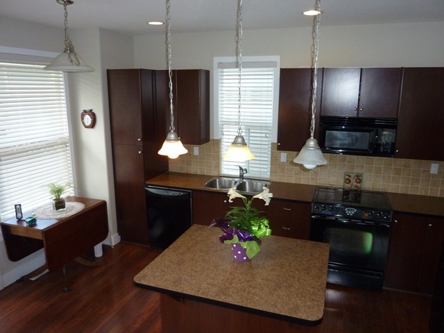 "Photo 3: 16592 60A Avenue in Surrey: Cloverdale BC House for sale in ""West Cloverdale"" (Cloverdale)  : MLS® # F1308945"