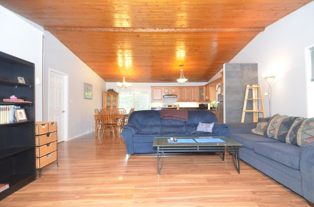 Photo 13: Photos: 2085 AIRBRIGHT LANE in SHAWNIGAN LAKE: House for sale : MLS® # 372654