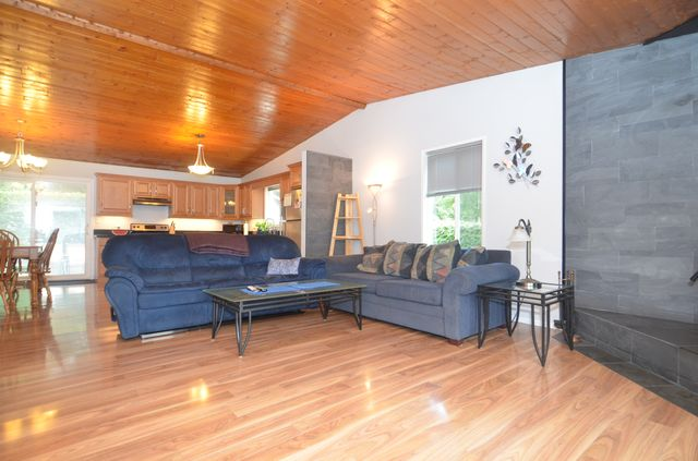 Photo 12: Photos: 2085 AIRBRIGHT LANE in SHAWNIGAN LAKE: House for sale : MLS® # 372654