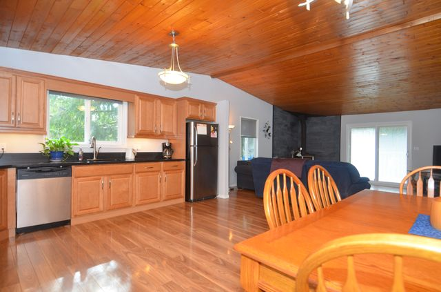 Photo 8: Photos: 2085 AIRBRIGHT LANE in SHAWNIGAN LAKE: House for sale : MLS® # 372654