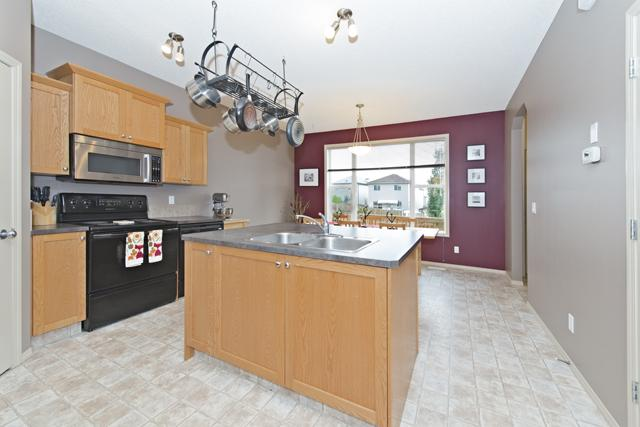 Photo 7: 56 COVEMEADOW Road NE in CALGARY: Coventry Hills Residential Attached  (Calgary)  : MLS® # C3634336