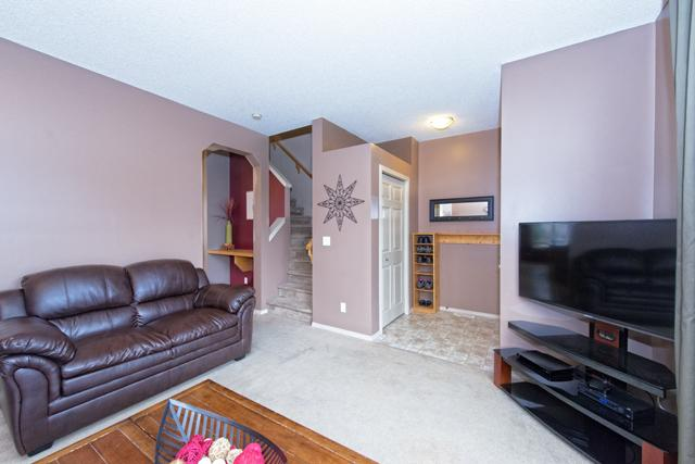 Photo 4: 56 COVEMEADOW Road NE in CALGARY: Coventry Hills Residential Attached  (Calgary)  : MLS® # C3634336