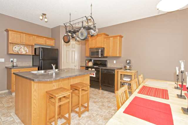 Photo 6: 56 COVEMEADOW Road NE in CALGARY: Coventry Hills Residential Attached  (Calgary)  : MLS® # C3634336