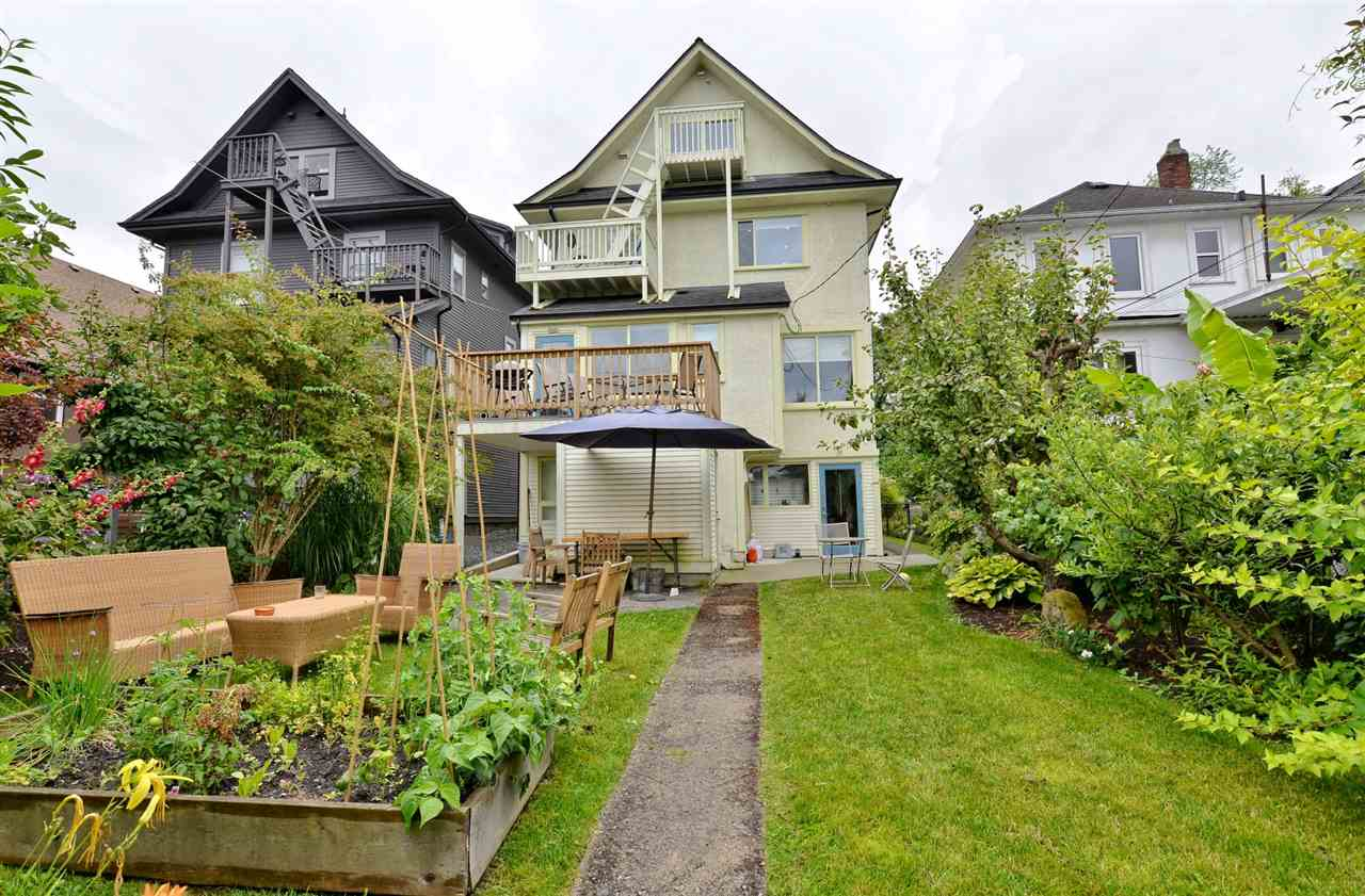 Photo 2: 1537 FRANCES STREET in Vancouver: Hastings House for sale (Vancouver East)  : MLS(r) # R2088730