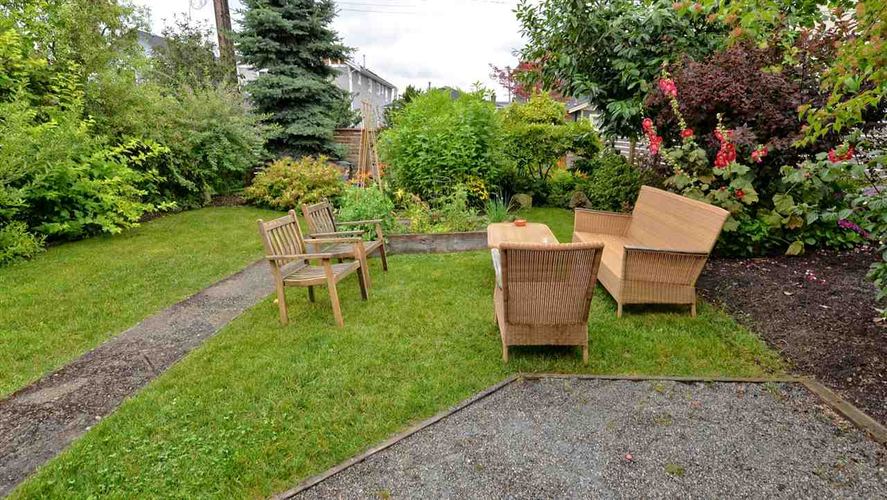 Photo 3: 1537 FRANCES STREET in Vancouver: Hastings House for sale (Vancouver East)  : MLS(r) # R2088730