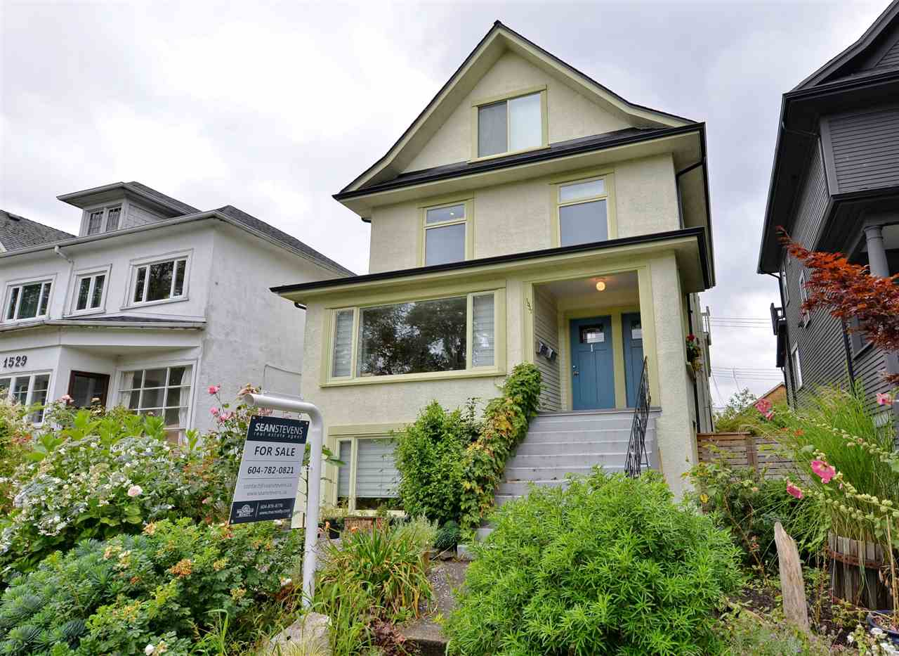 Photo 1: 1537 FRANCES STREET in Vancouver: Hastings House for sale (Vancouver East)  : MLS(r) # R2088730