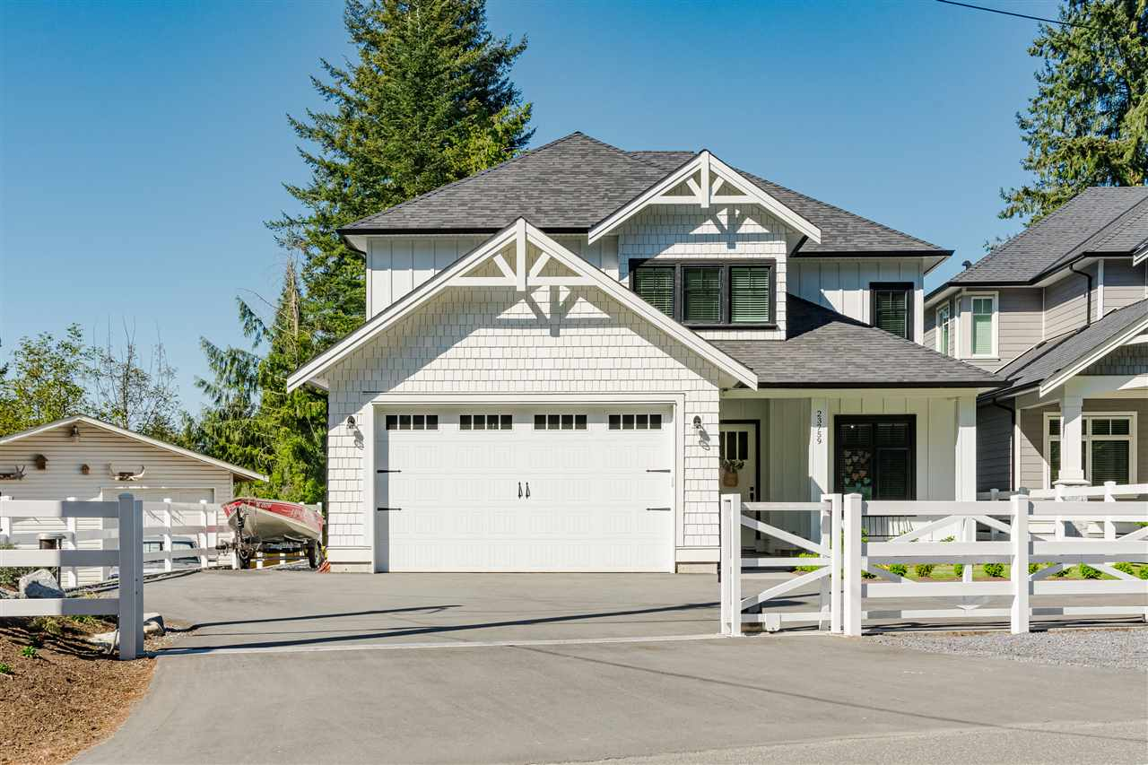 FEATURED LISTING: 23759 40 Avenue Langley