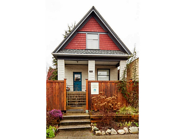 Main Photo: 233 West 6th Ave in Vancouver: Cambie Village House for sale : MLS(r) # V1104272