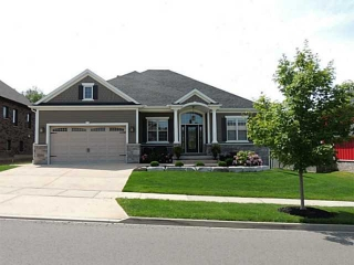 Main Photo: 20 BUNNY GLEN Drive in NIAGARA-ON-THE-LAKE: House for sale : MLS® # N30038636