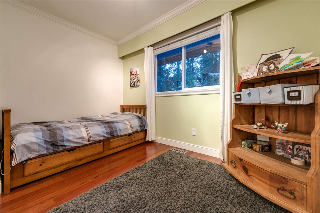Photo 14: 3545 ROBINSON ROAD in North Vancouver: Lynn Valley House for sale : MLS(r) # R2136847
