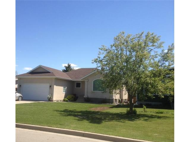 Main Photo: 1704 Bond Street in DAUPHIN: Manitoba Other Residential for sale : MLS®# 1206409