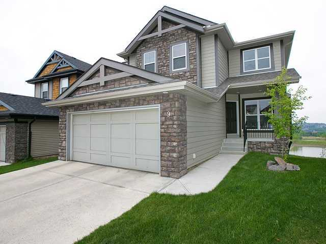 Main Photo: 9 VAL GARDENA Place SW in CALGARY: Springbank Hill Residential Detached Single Family for sale (Calgary)  : MLS® # C3547004