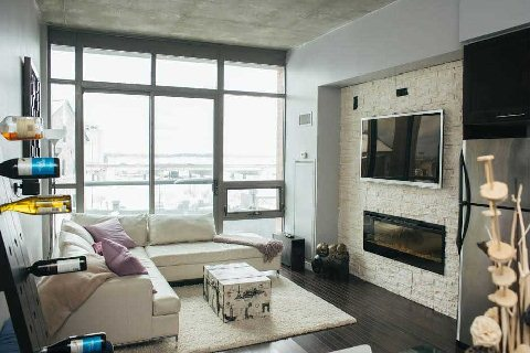 Main Photo: 33 Mill St Unit #521 in Toronto: Waterfront Communities C8 Condo for sale (Toronto C08)  : MLS(r) # C2826900