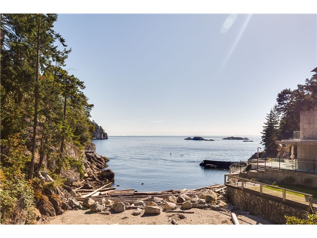 Main Photo: 5360 Seaside Pl in West Vancouver: Caulfeild House for sale : MLS® # V1124308