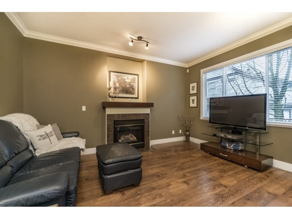 Photo 9: Photos: 19232 68A AVENUE in Surrey: Clayton House for sale (Cloverdale)  : MLS® # R2151170