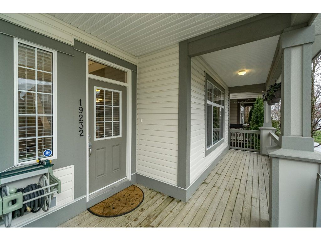 Photo 2: Photos: 19232 68A AVENUE in Surrey: Clayton House for sale (Cloverdale)  : MLS® # R2151170