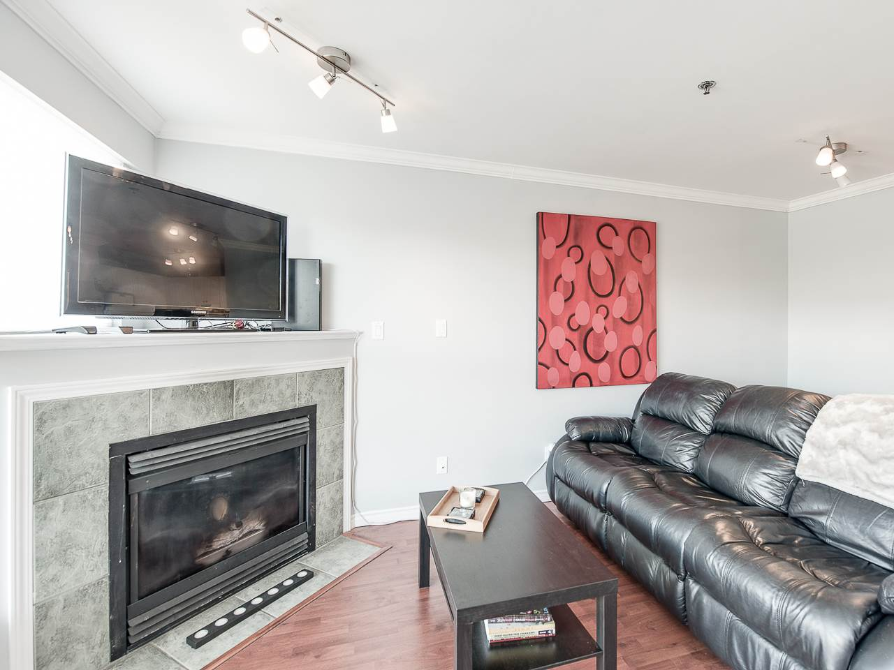 Main Photo: 304 2025 STEPHENS STREET in Vancouver: Kitsilano Condo for sale (Vancouver West)  : MLS®# R2158946