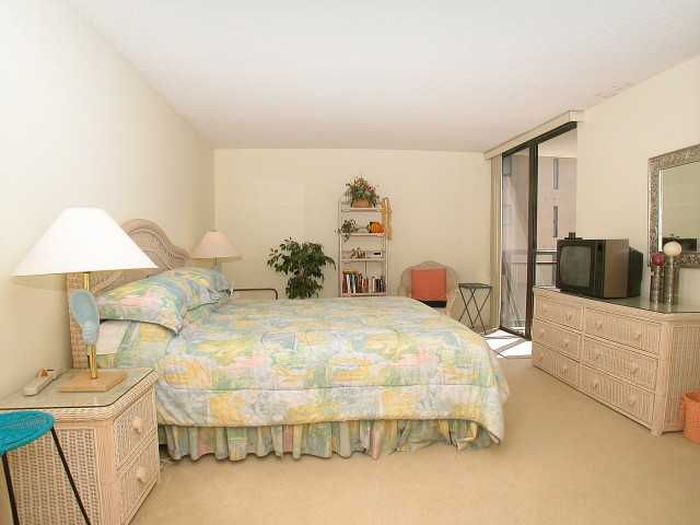 Photo 14: PACIFIC BEACH Home for sale or rent : 2 bedrooms : 3916 RIVIERA #406 in San Diego