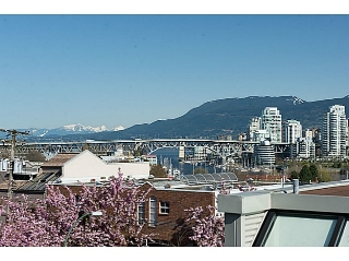 "Main Photo: 954 W 7TH Avenue in Vancouver: Fairview VW Townhouse for sale in ""Era"" (Vancouver West)  : MLS(r) # V1003005"