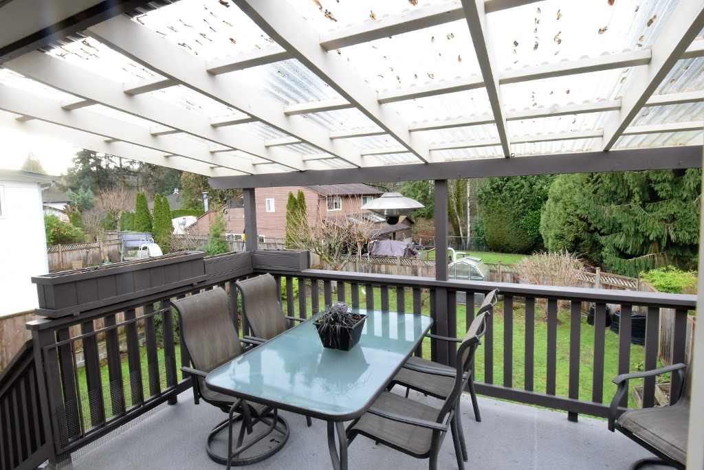 Photo 4: 993 Hoy Street in Coquitlam: Meadow Brook House for sale : MLS® # R2018981