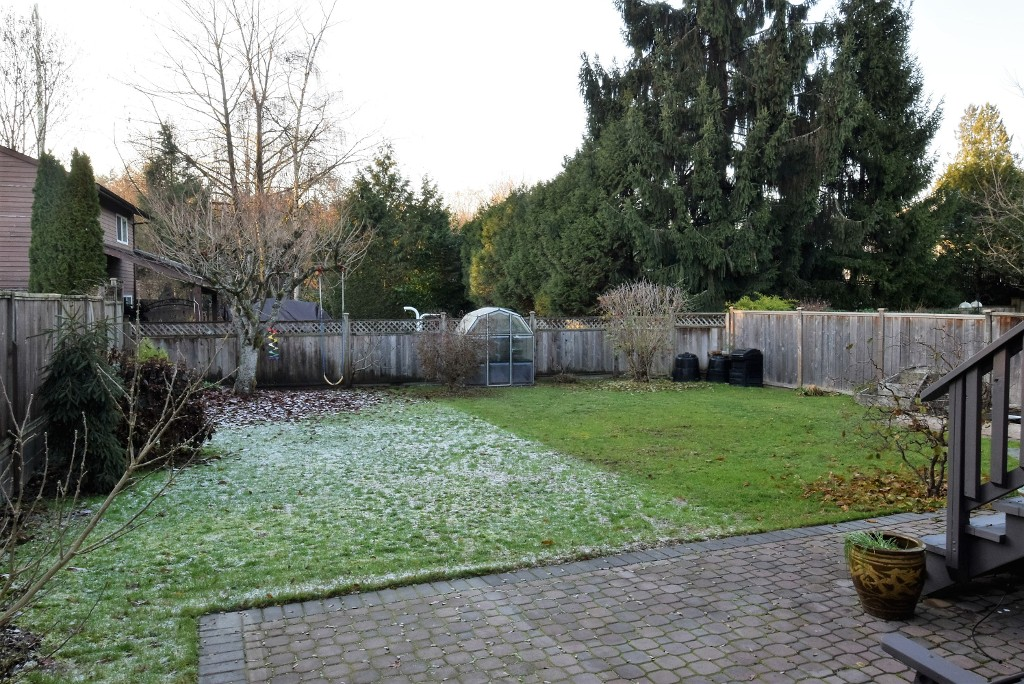 Photo 3: 993 Hoy Street in Coquitlam: Meadow Brook House for sale : MLS® # R2018981