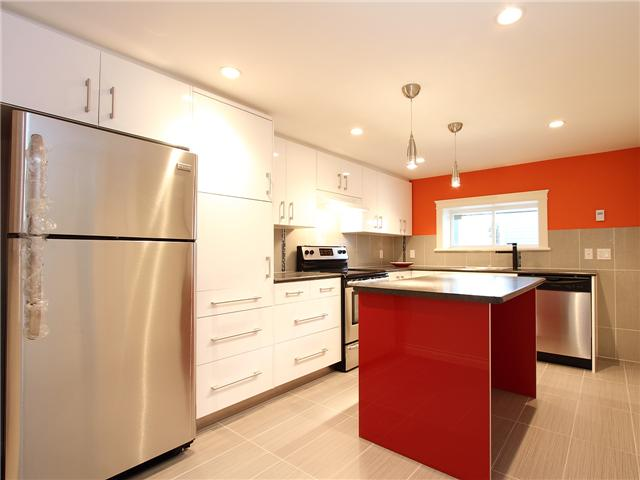 Photo 8: 4062 BEATRICE Street in Vancouver: Victoria VE House for sale (Vancouver East)  : MLS® # V941379