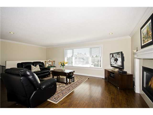 Photo 2: 11131 KING Road in Richmond: Ironwood House for sale : MLS(r) # V972303