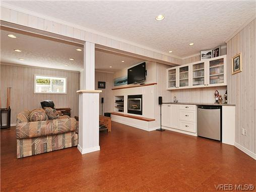 Photo 15: 858 Seamist Court in VICTORIA: SE Cordova Bay Single Family Detached for sale (Saanich East)  : MLS® # 322527