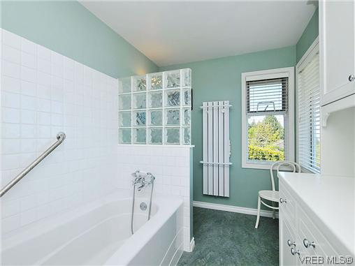 Photo 16: 858 Seamist Court in VICTORIA: SE Cordova Bay Single Family Detached for sale (Saanich East)  : MLS® # 322527
