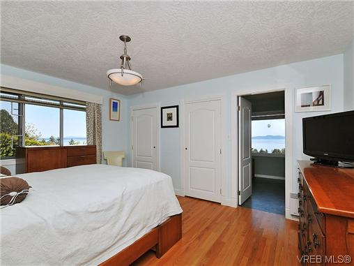Photo 13: 858 Seamist Court in VICTORIA: SE Cordova Bay Single Family Detached for sale (Saanich East)  : MLS® # 322527