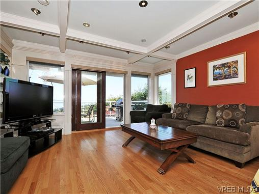 Photo 9: 858 Seamist Court in VICTORIA: SE Cordova Bay Single Family Detached for sale (Saanich East)  : MLS® # 322527