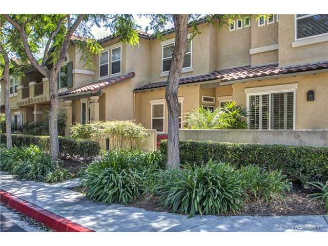 Main Photo: CARLSBAD EAST Townhome for sale : 2 bedrooms : 6376 Citracado Circle in Carlsbad