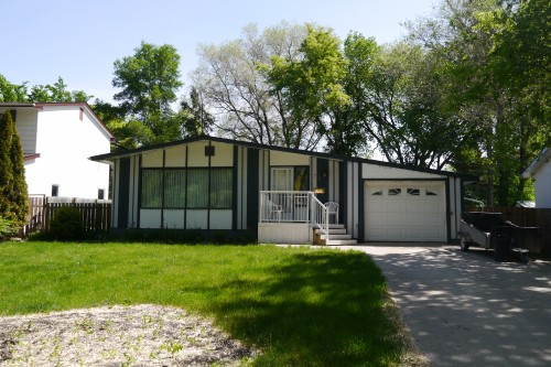 Main Photo:  in Winnipeg: Fort Richmond Single Family Detached for sale (South Winnipeg)  : MLS® # 1426164