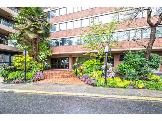 Main Photo: # 105 1450 PENNYFARTHING DR in Vancouver: False Creek Condo for sale (Vancouver West)  : MLS® # V1117245