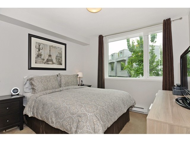 Photo 5: 2727 PRINCE EDWARD ST in Vancouver: Mount Pleasant VE Condo for sale (Vancouver East)  : MLS® # V1122910