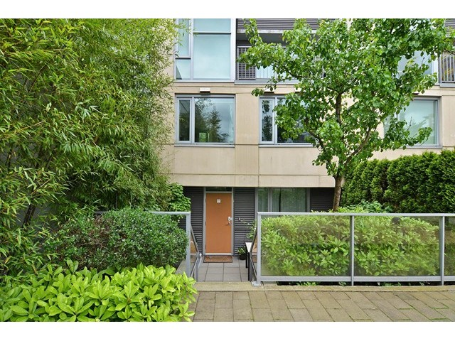 Main Photo: 2727 PRINCE EDWARD ST in Vancouver: Mount Pleasant VE Condo for sale (Vancouver East)  : MLS®# V1122910
