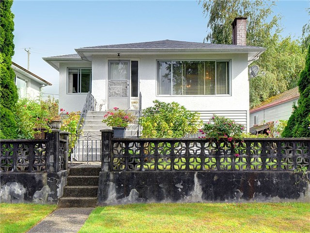 Main Photo: 3120 GARDEN Drive in Vancouver: Grandview VE House for sale (Vancouver East)  : MLS®# V1027010