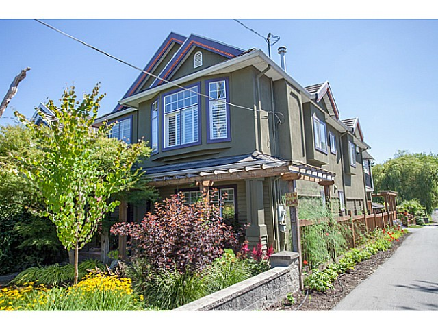 Main Photo: 4848 SOPHIA Street in Vancouver: Main House for sale (Vancouver East)  : MLS®# V1073611