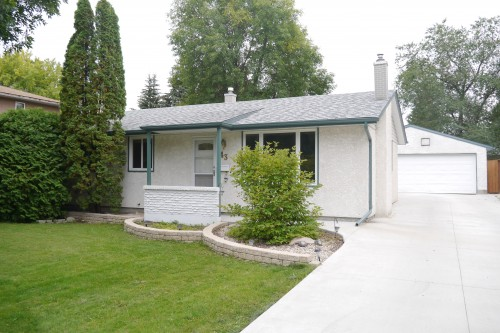 Main Photo: 43 Loyola Bay in Winnipeg: Fort Richmond Single Family Detached for sale (South Winnipeg)  : MLS® # 1423297