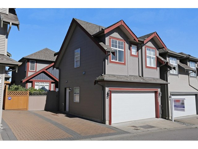 Main Photo: 6668 195 Street in Surrey: Clayton House for sale (Cloverdale)  : MLS®# F1446215