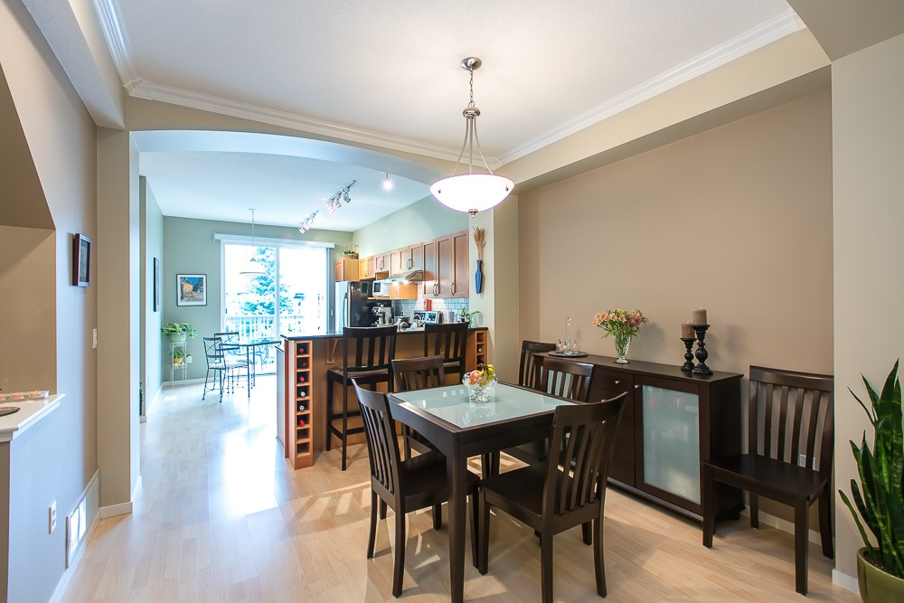 Photo 6: 8 8415 CUMBERLAND PLACE in Burnaby: The Crest Townhouse for sale (Burnaby East)  : MLS(r) # R2078677