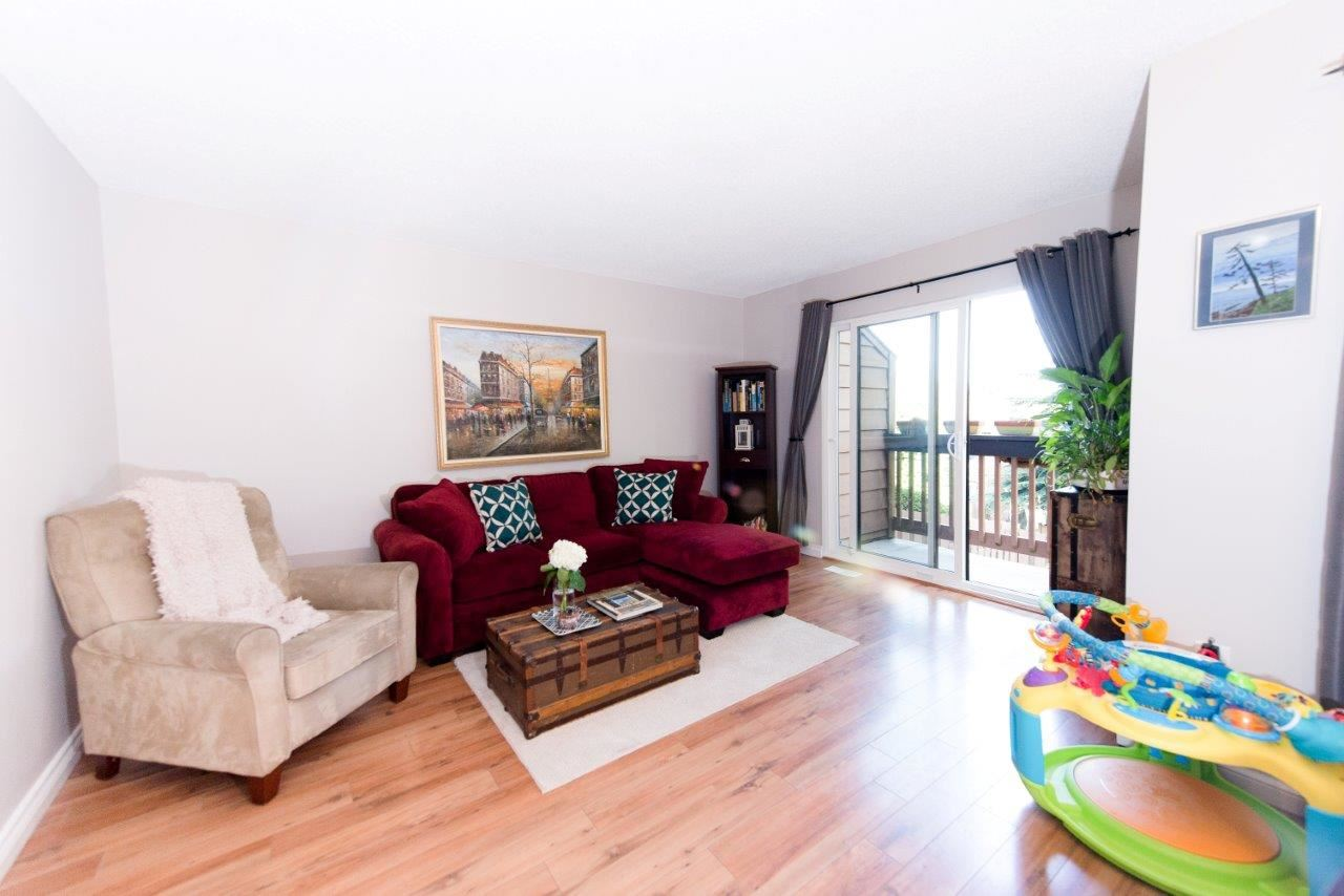 Main Photo: 210 CARDIFF WAY in Port Moody: College Park PM Townhouse for sale : MLS®# R2091233