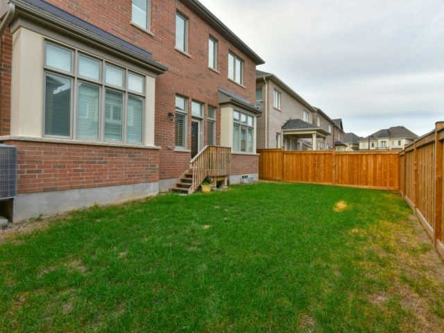 Photo 10: 158 Masterman Cres in Oakville: Rural Oakville Freehold for sale : MLS(r) # W3647708