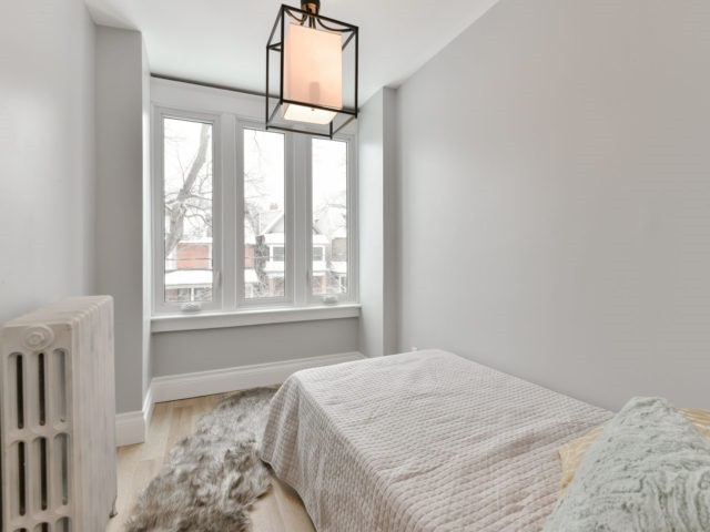 Photo 16: 10 Eaton Ave in Toronto: Danforth Village-East York Freehold for sale (Toronto E03)  : MLS(r) # E3683348