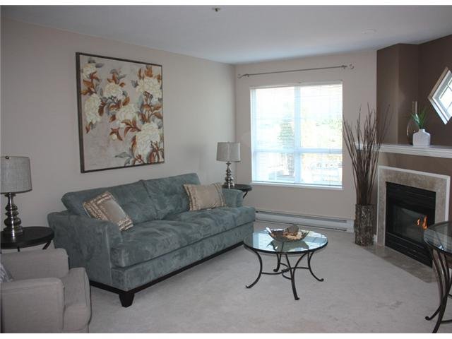 "Main Photo: 109 2960 PRINCESS in Coquitlam: Canyon Springs Townhouse for sale in ""THE JEFFERSON"" : MLS® # V930888"
