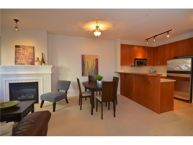 "Photo 3: 1216 4655 VALLEY Drive in Vancouver: Quilchena Condo for sale in ""ALEXANDRA HOUSE"" (Vancouver West)  : MLS® # V969419"