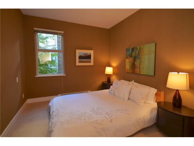 "Photo 7: 1216 4655 VALLEY Drive in Vancouver: Quilchena Condo for sale in ""ALEXANDRA HOUSE"" (Vancouver West)  : MLS® # V969419"